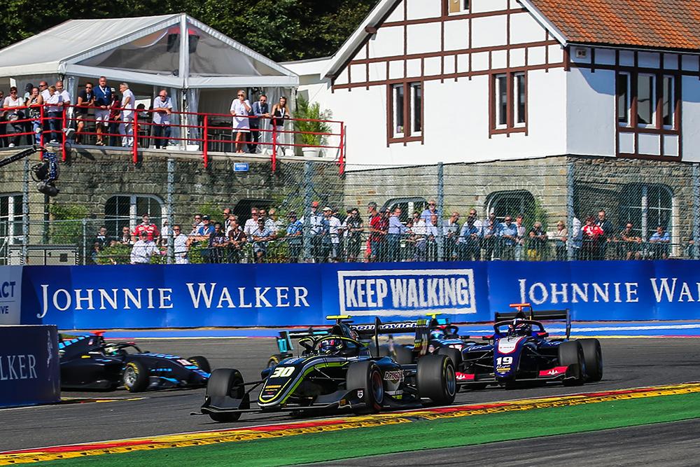 Felipe Drugovich teve desempenho positivo na F3 FIA na Bélgica em final de semana triste para o automobilismo mundial