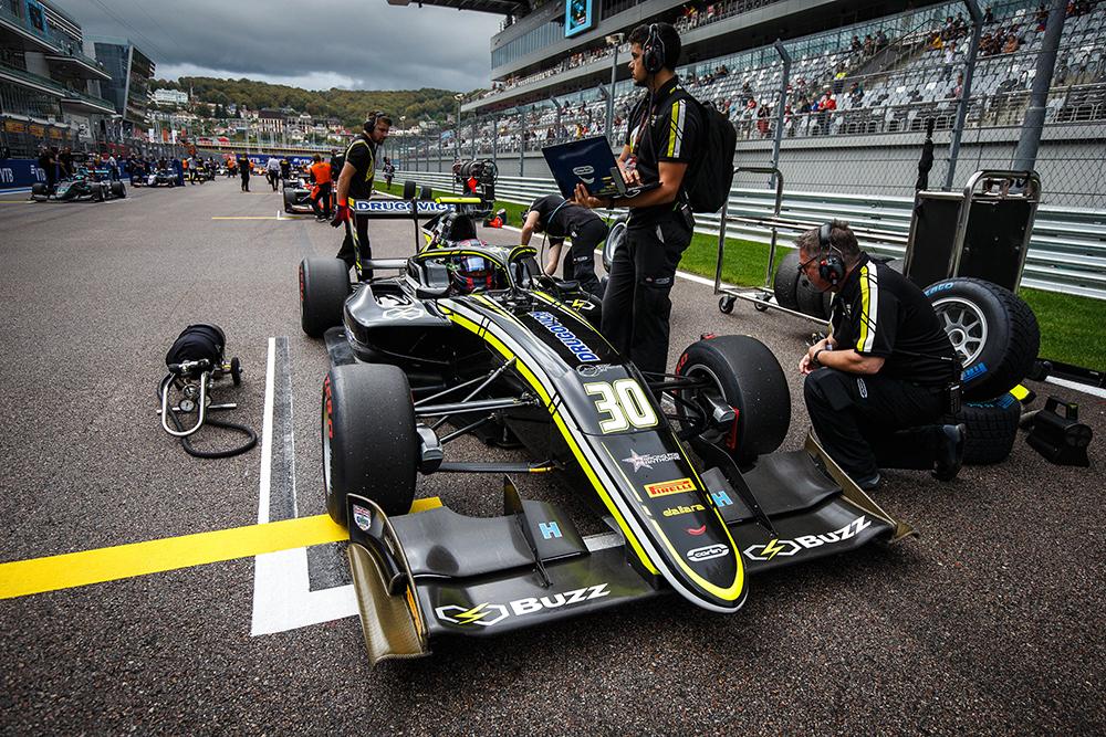 Felipe Drugovich encerrou sua temporada de estreia na Fórmula 3 FIA na Rússia